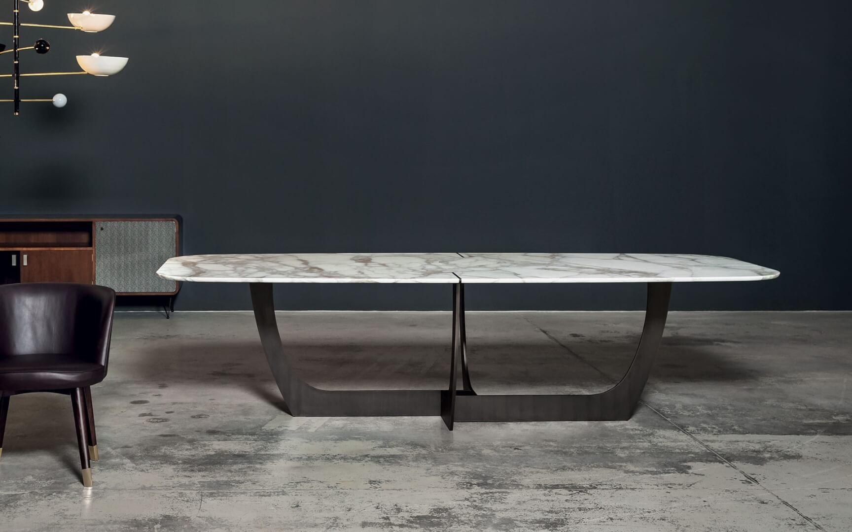 Tavolo Romeo di Baxter dall'alto - Devincenti negozio arredamento e design Verona