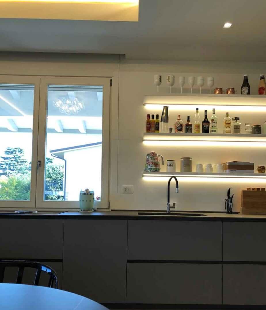 Mensole cucina - Devincenti negozio arredamento Brescia